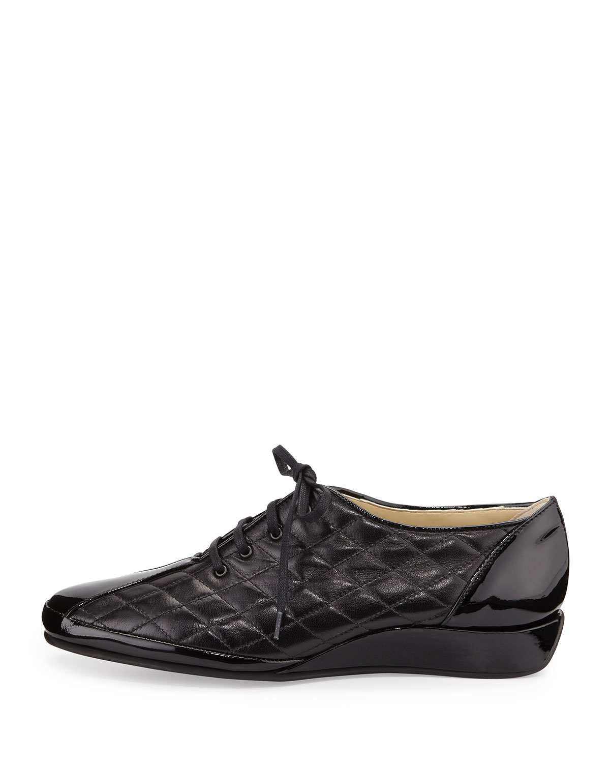 Amalfi by rangoni Esse Quilted Leather Sneaker in Black