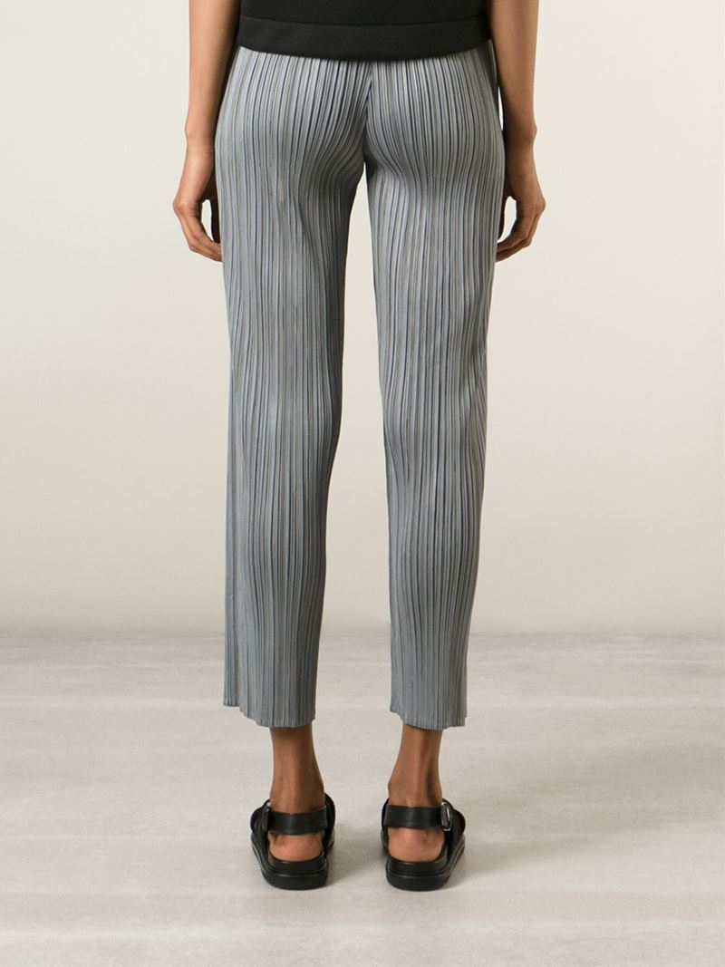 TROUSERS - 3/4-length trousers Issey Miyake 6SiqL3a9uF