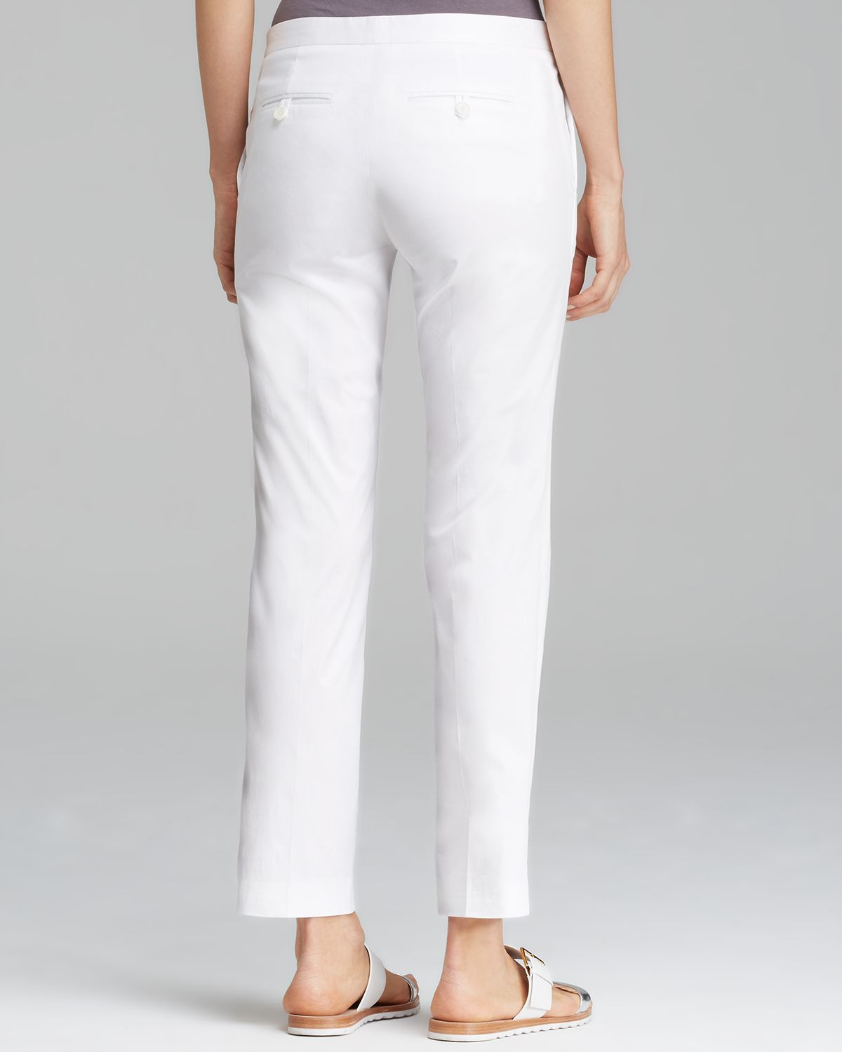 e153e8be5c Theory Pants Item Cropped Summertwill in White - Lyst