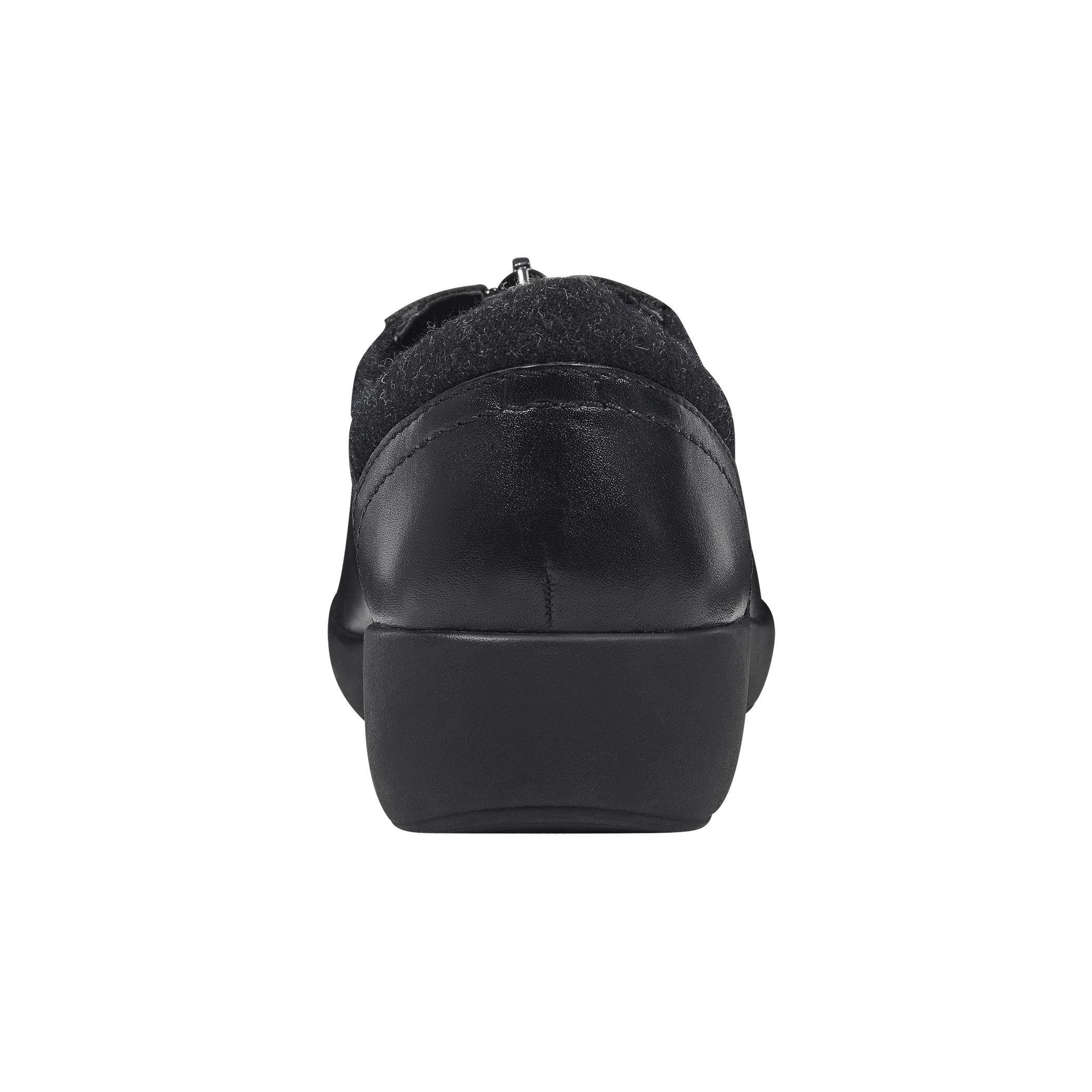 Lyst Easy Spirit Kelerie Leather Casual Flats In Black Zipora Jeans Gallery