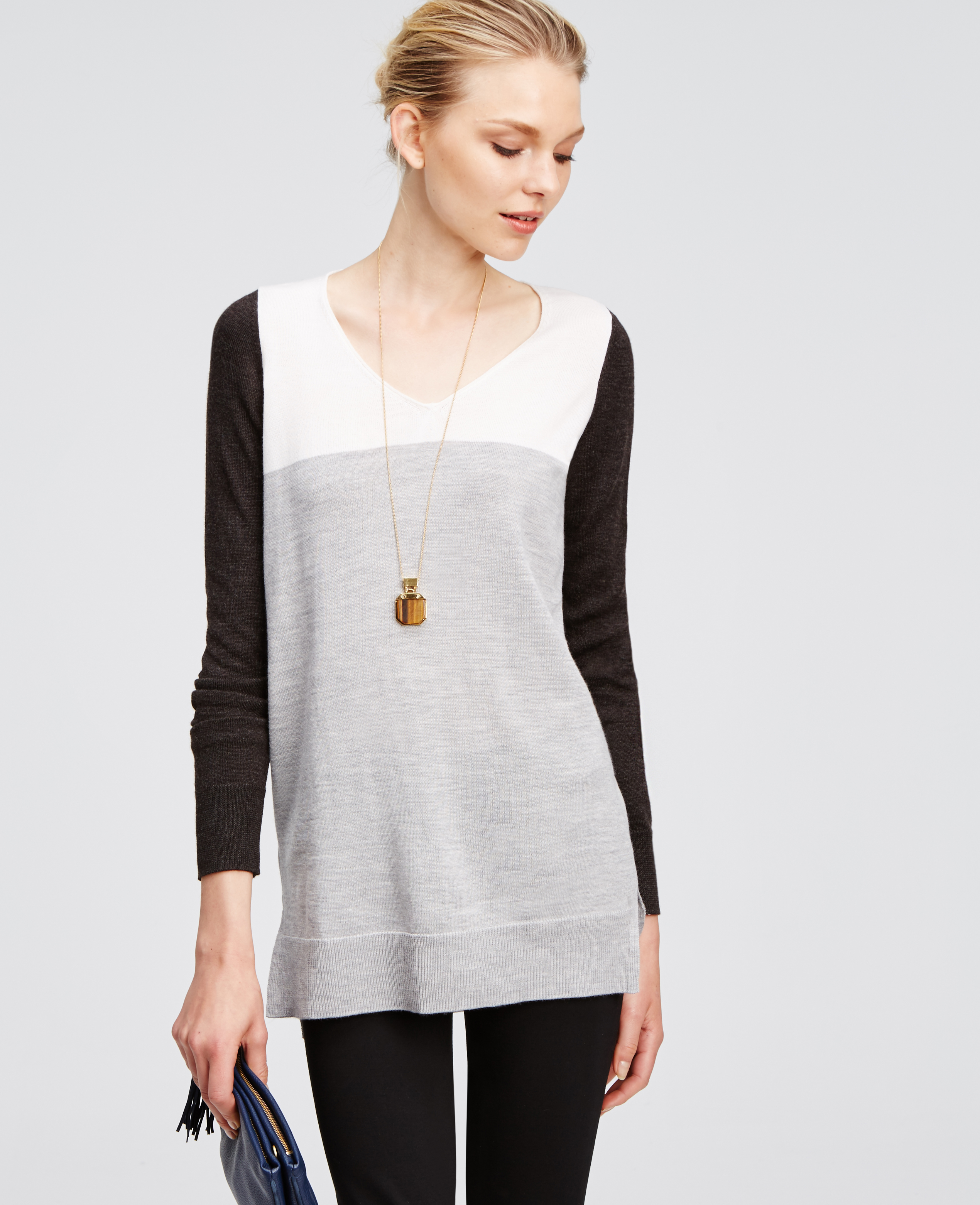 Ann taylor Colorblock V-neck Tunic Sweater in Black | Lyst