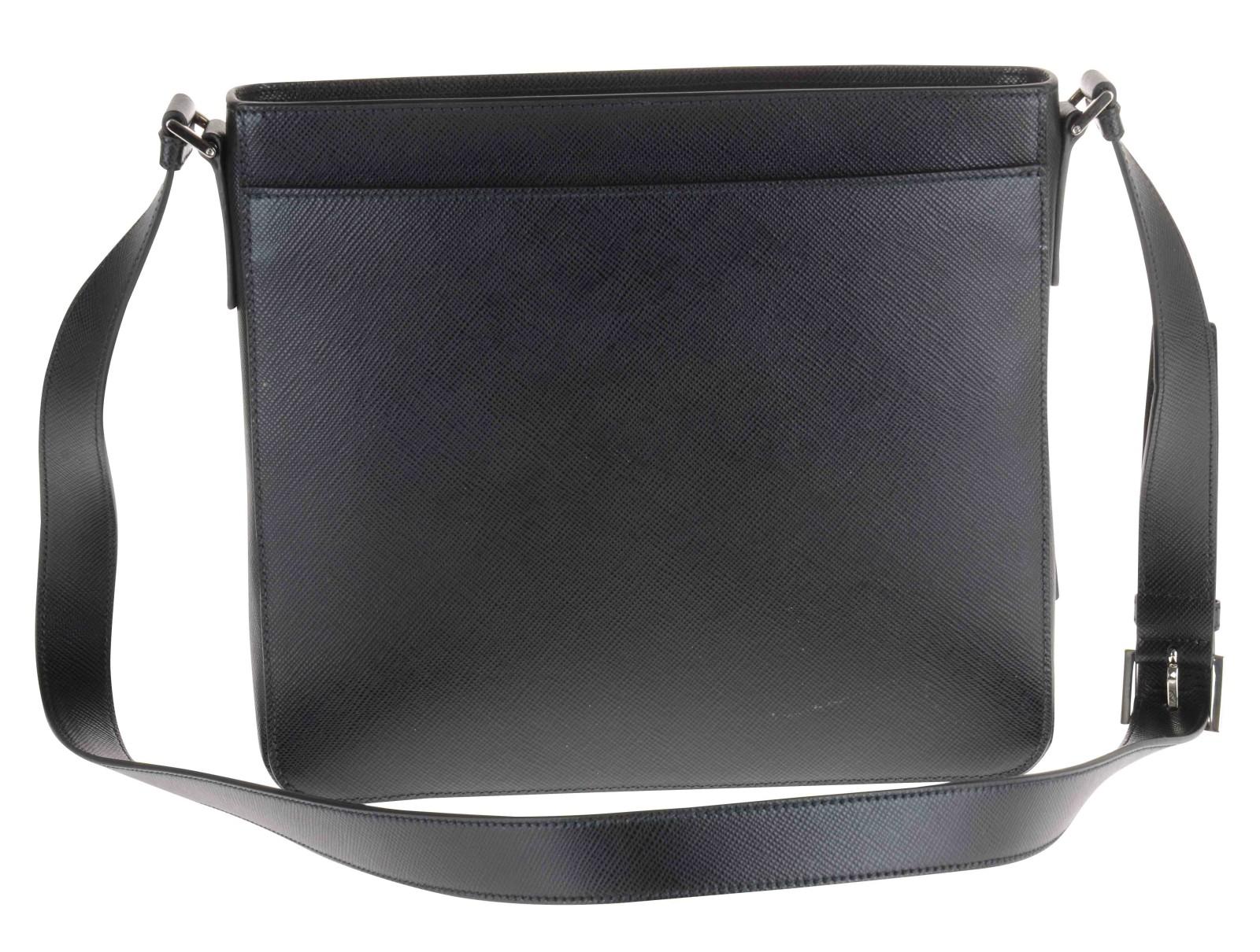 Prada Tracolla In Pelle Saffiano Nera Chiusura Zip in Black for ...