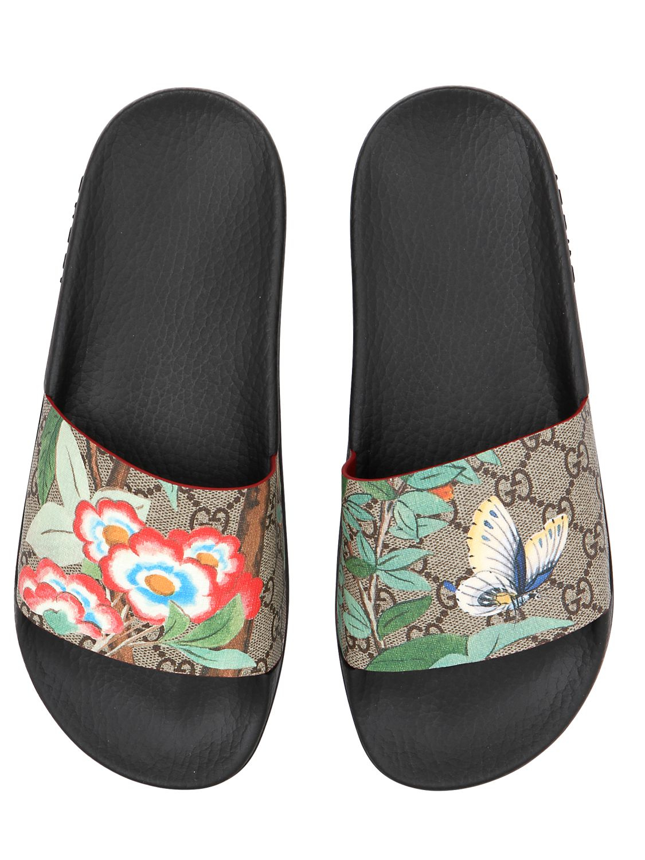 b6b527c9e61 Lyst - Gucci 20mm Pursuit Gg Supreme Slide Sandals