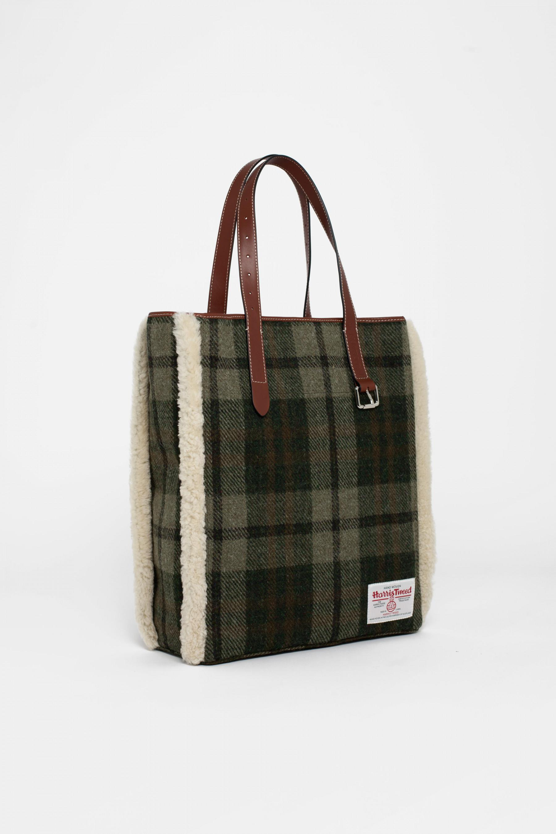 3ecbd65299e1 Lyst - J.W. Anderson Shearling-trimmed Checked Harris Tweed Tote