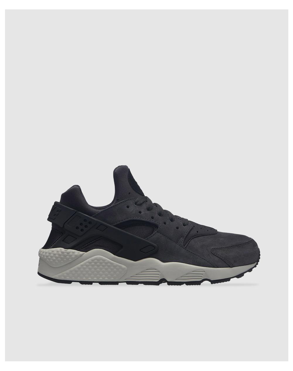 reputable site 01cf3 8e366 Nike. Men s Gray Air Huarache Run Premium Casual Trainers