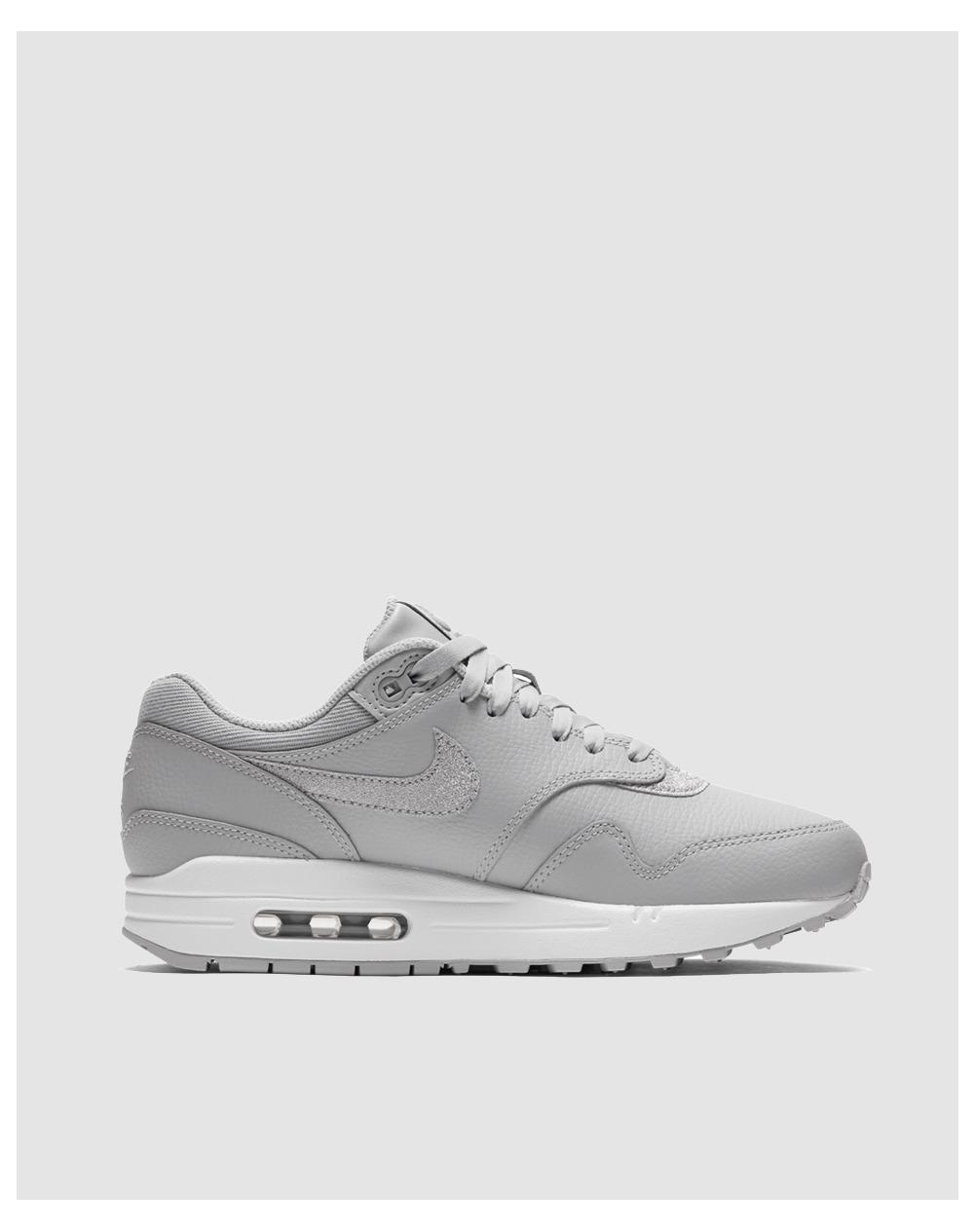 c4db3035f9ee Nike Air Max 1 Se Glitter Casual Trainers in Gray - Lyst