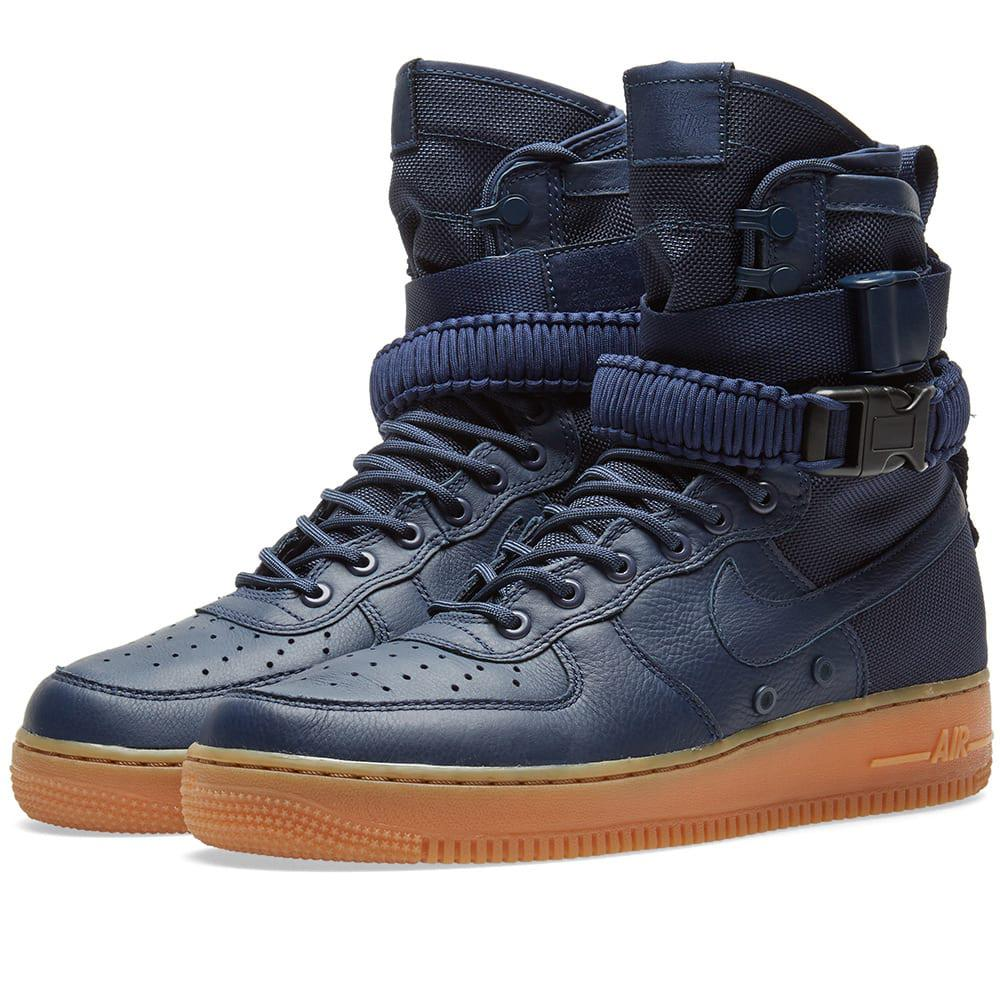 lyst nike sf air force 1 boot in blu per gli uomini.