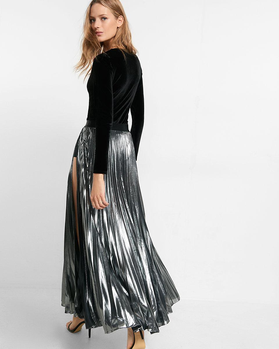 4608873fa6 Express Metallic Slit Front Pleated Maxi Skirt in Metallic - Lyst