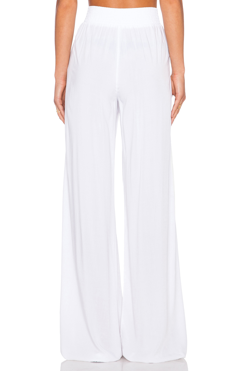 High waist wide leg trousers are a timeless classic for women of all ages. They emphasize comfort without losing style. These trousers, or pants as they are .