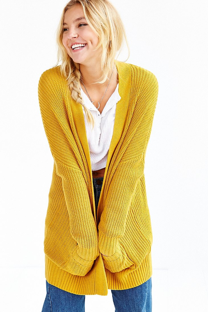 Free shipping and returns on Women's Yellow Sweaters at efwaidi.ga