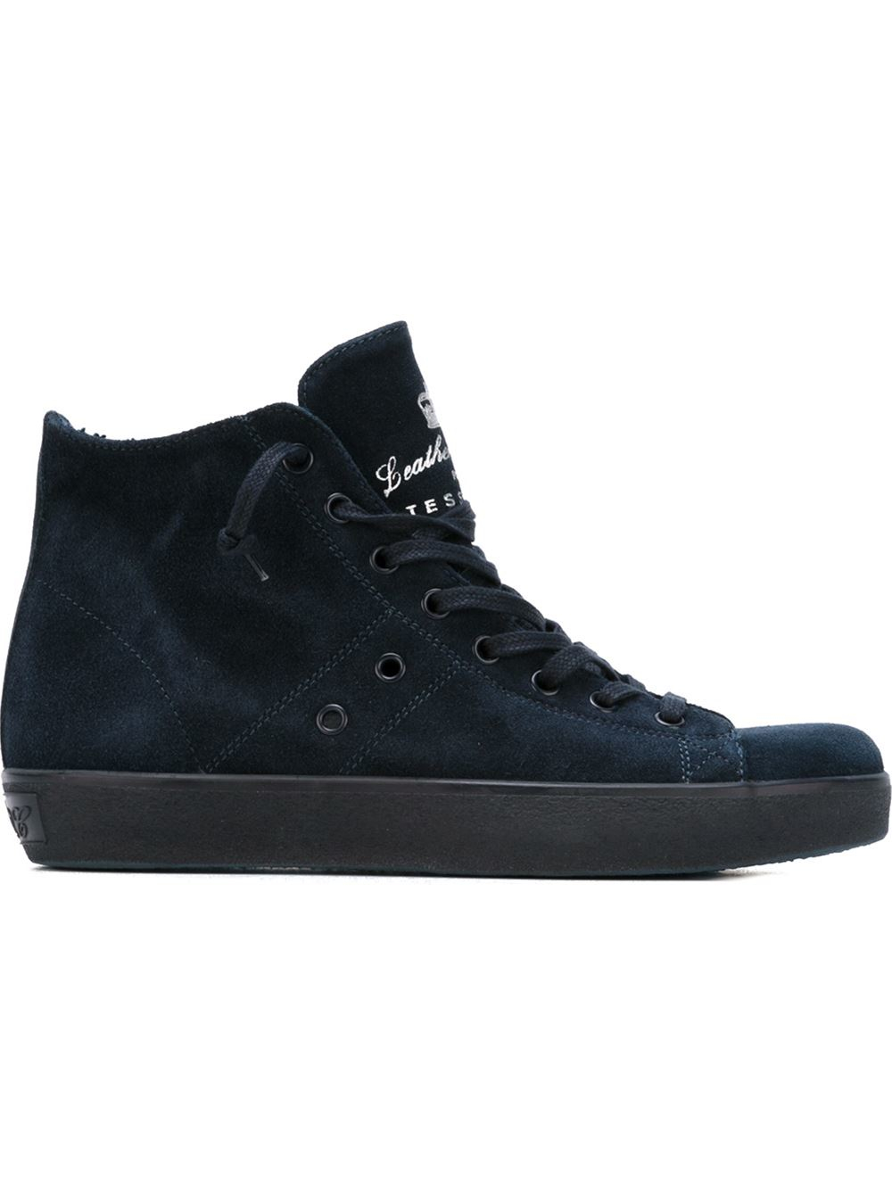 Shop high top shoes for women, girls and boys and be sure to check out all men's shoes for the full selection of footwear options. Customize men's high tops with NIKEiD.