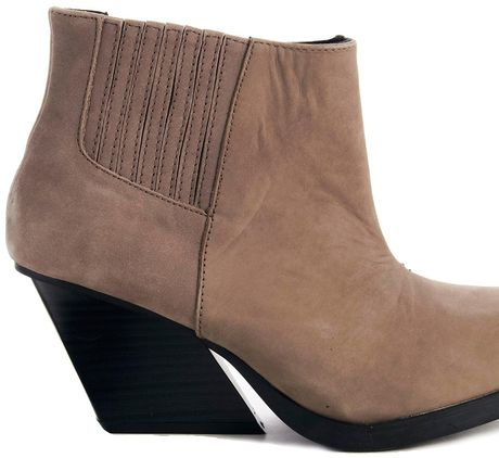 cheap monday angle low heeled ankle boot in brown dirt