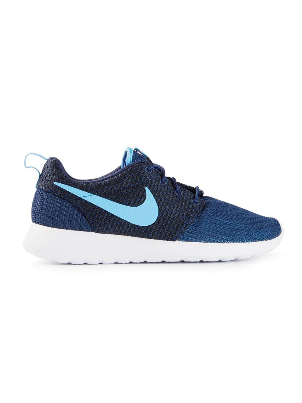 nike roshe run sneakers in blue for men lyst