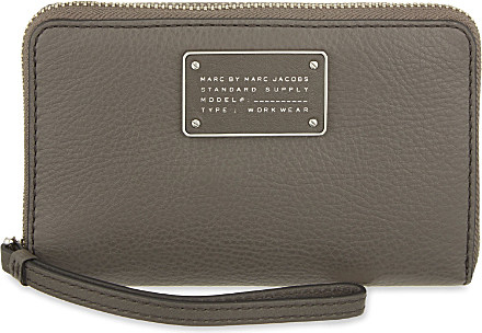 4e413e77498 Marc By Marc Jacobs Wingman Zip-around Leather Wallet - For Women in ...