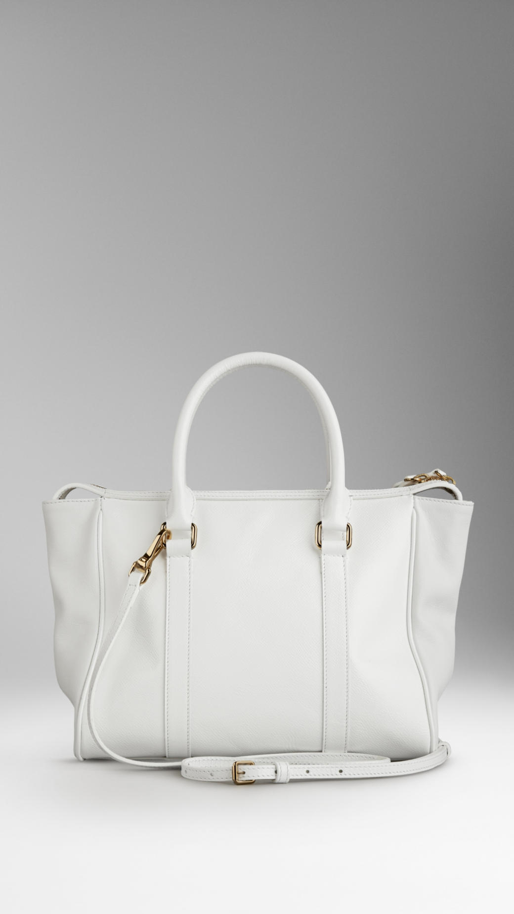 bf5c3c40327 Lyst - Burberry Medium Patent London Leather Tote Bag in White