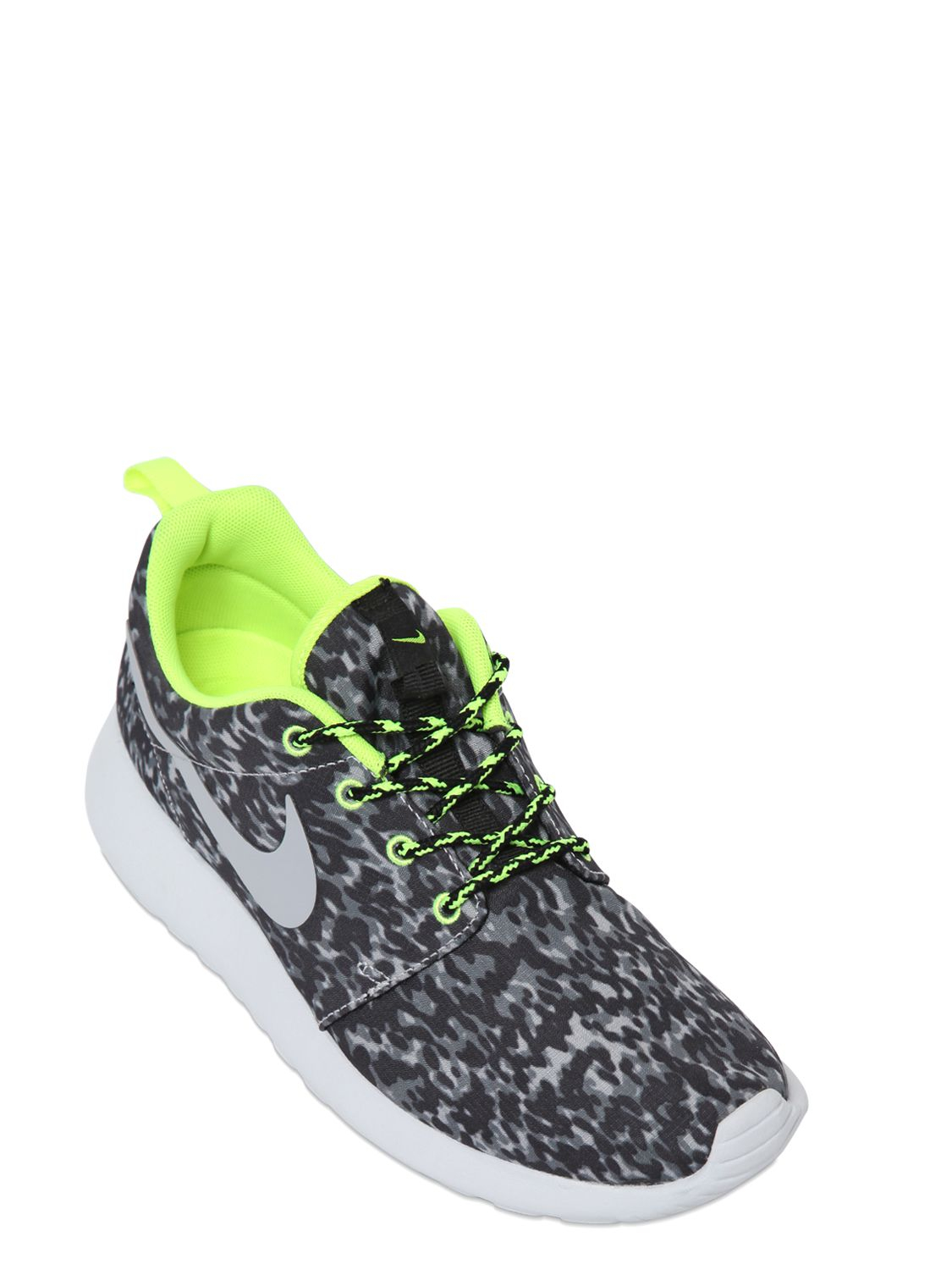 cheap for discount 0d54b 6ee9f Lyst - Nike Roshe Run Leopard Print Running Sneakers in Gray