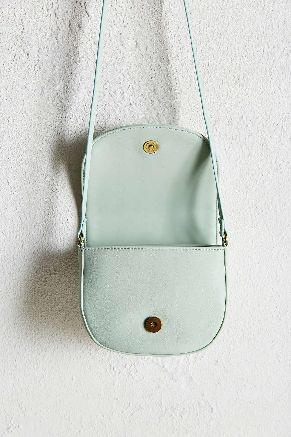 fa5ff6d2d5c3 Gallery. Previously sold at  Urban Outfitters · Women s Saddle Bags ...