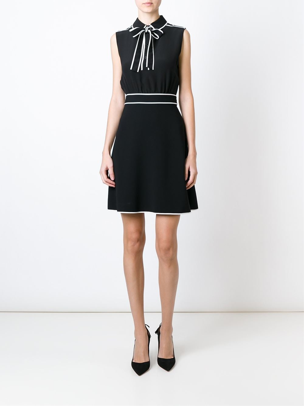 Boutique Moschino Bow Detail Sleeveless Dress In Black Lyst