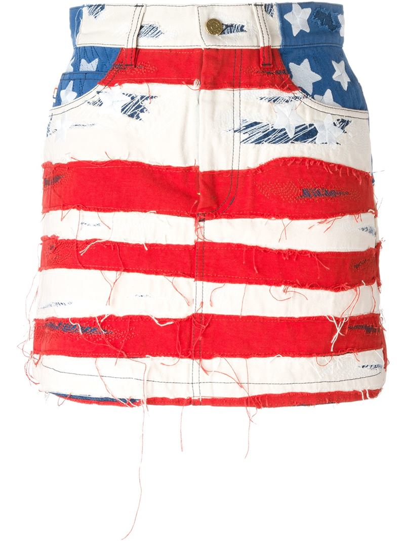 Need patriotic clothing for men like red, white, and blue suits, USA tanks, stars and stripes swim trunks, star spangled ski gear, and more? We got it. We also have American flag clothing for women like patriotic USA shorts, bikinis, dresses, and tons o' American flag accessories. Stuffed a .