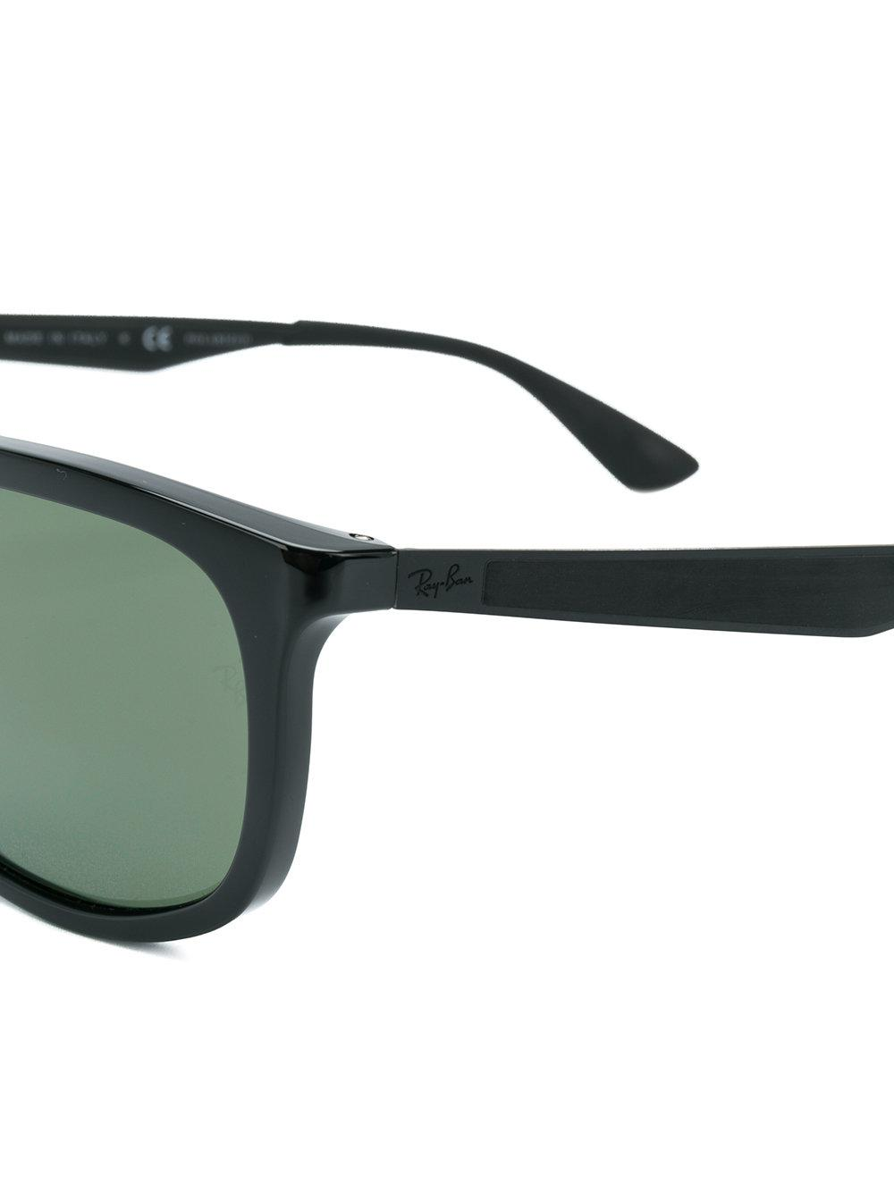 fa19b048a640a Gallery. Previously sold at  Farfetch · Women s Ray Ban ...