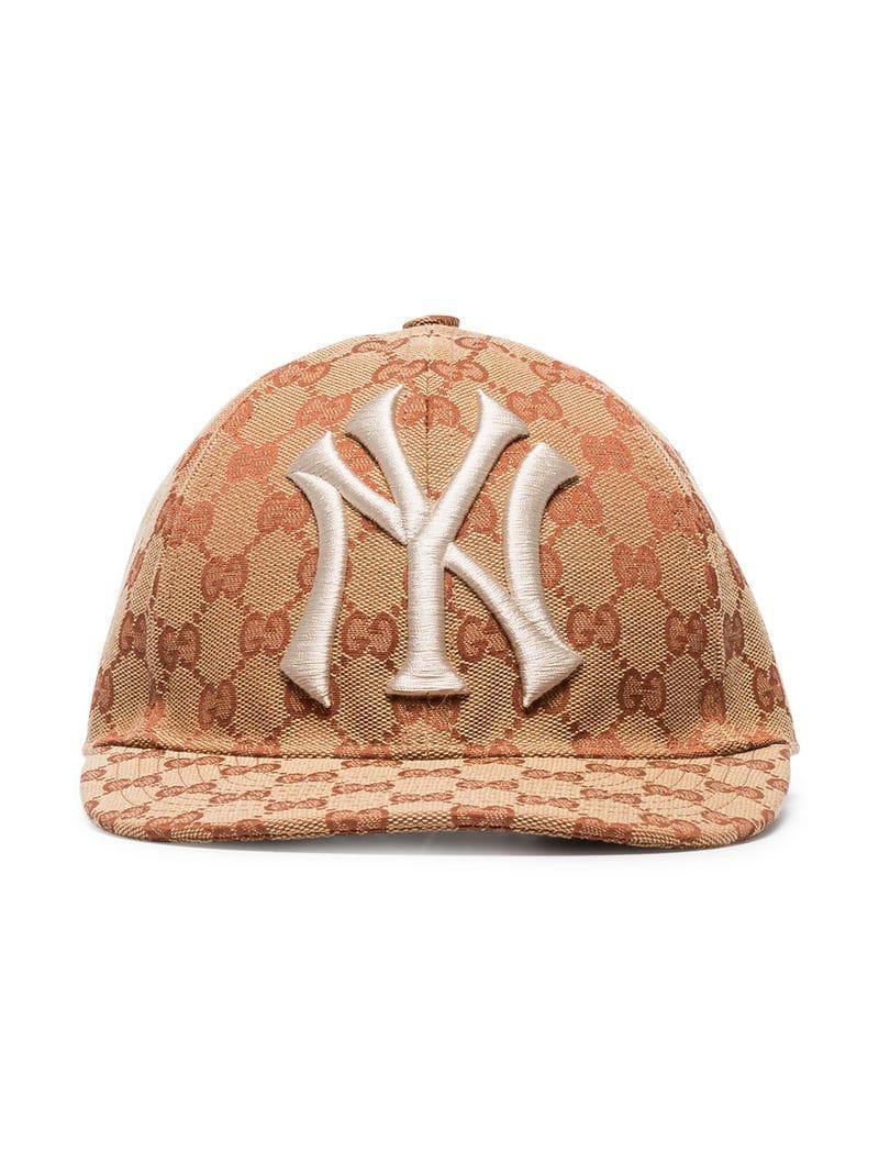 da62eeae8db Lyst - Gucci Brown And White GG New York Yankees Baseball Cap in ...