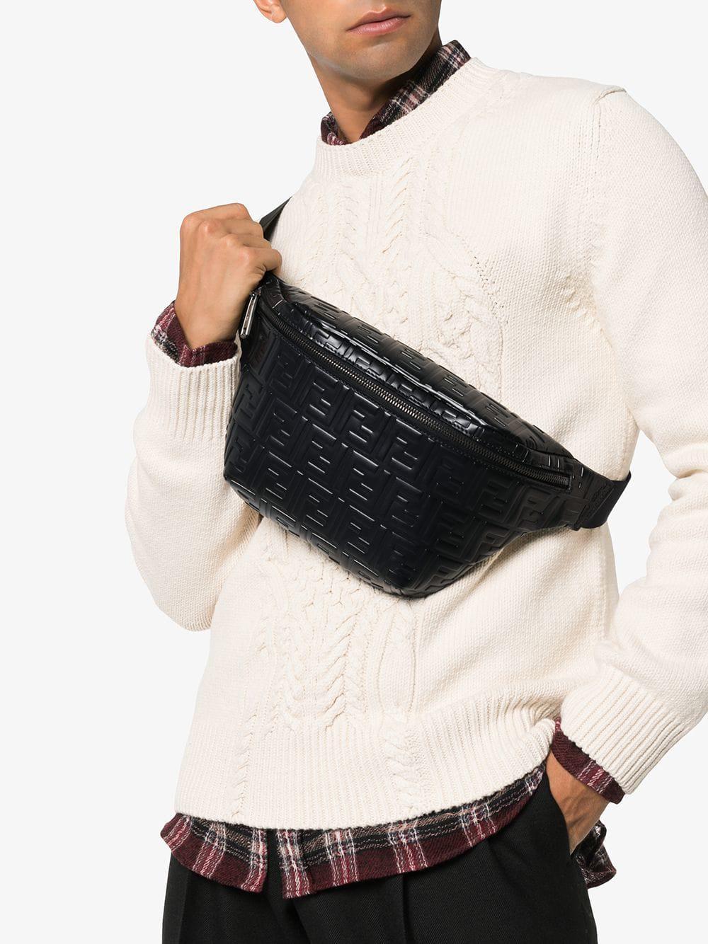 06011e6b3599 Lyst - Sac porté épaule à logo embossé Fendi pour homme en coloris Noir
