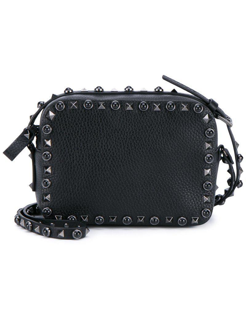 6b6d6e1dbee82 Valentino Garavani  rockstud Rolling Noir  Shoulder Bag in Black - Lyst