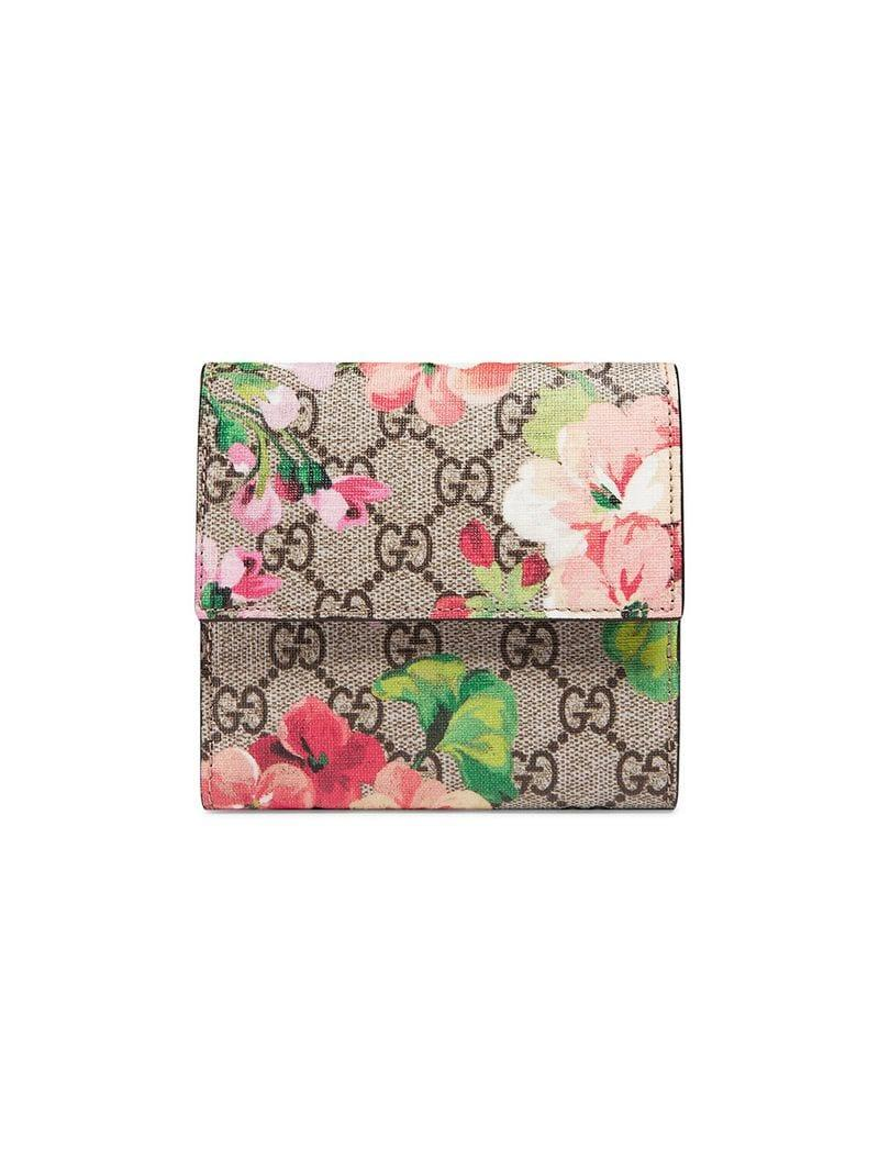 4f8e3a04174e Gucci GG Blooms French Flap Wallet in Pink - Save 8% - Lyst