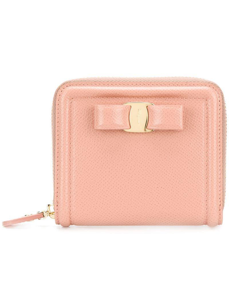 3481646bb8 Ferragamo Vara Bow Zip Round Wallet in Pink - Lyst
