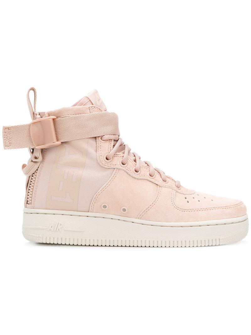 lyst nike air force 1 metà sopra le scarpe da ginnastica in rosa