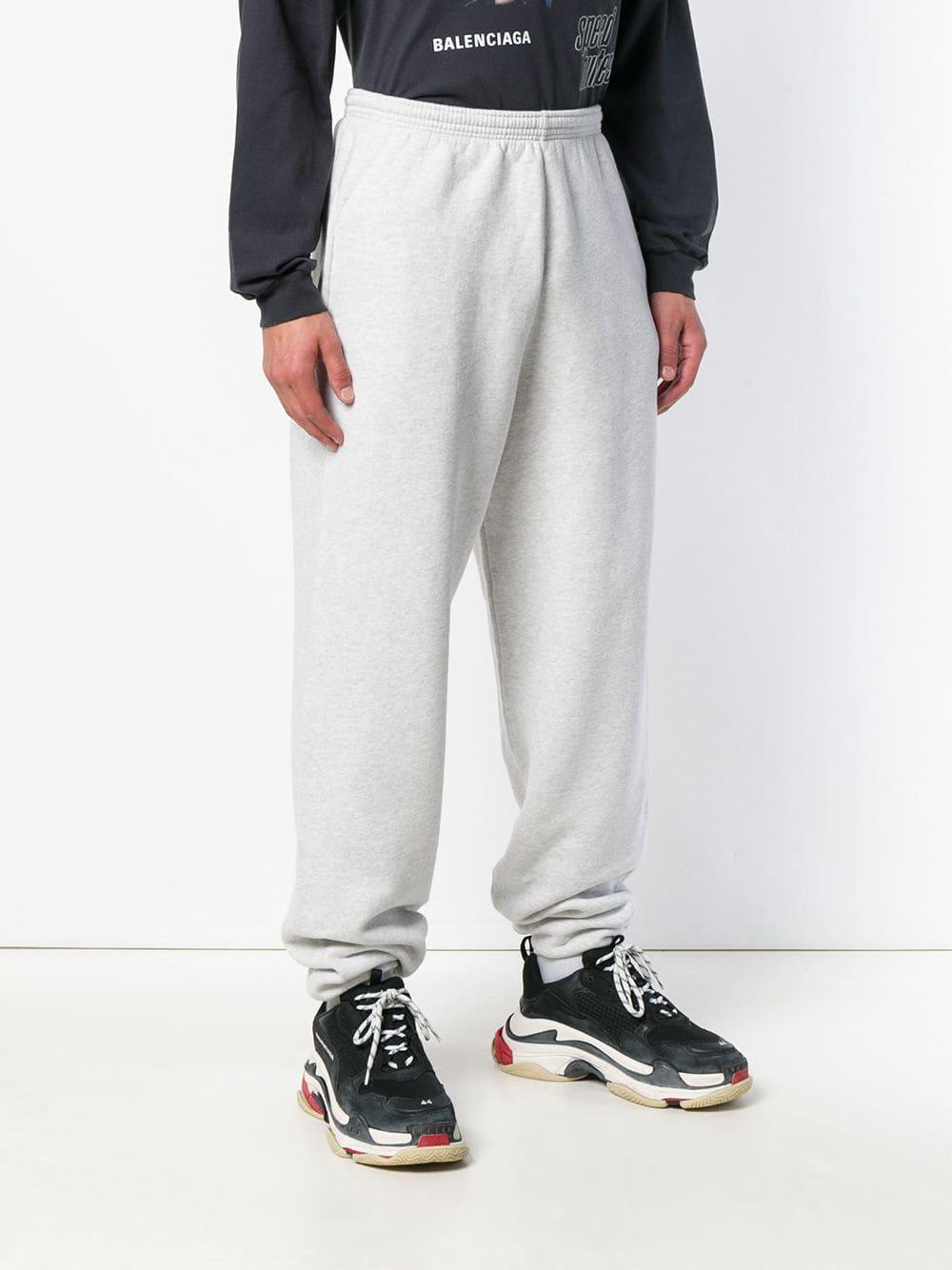 8a4e3e0d905b5 ... Pantalones de chándal con B bordada for Men - Lyst. Ver en pantalla  completa