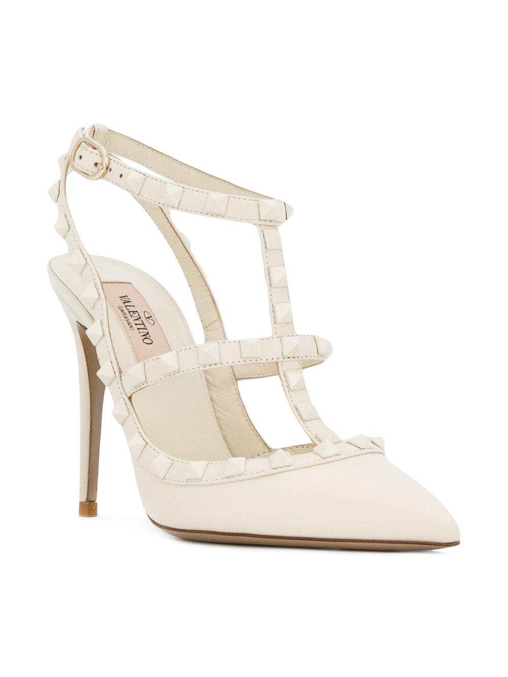 640dec6dd3f Valentino Garavani Rockstud Pumps in White - Lyst