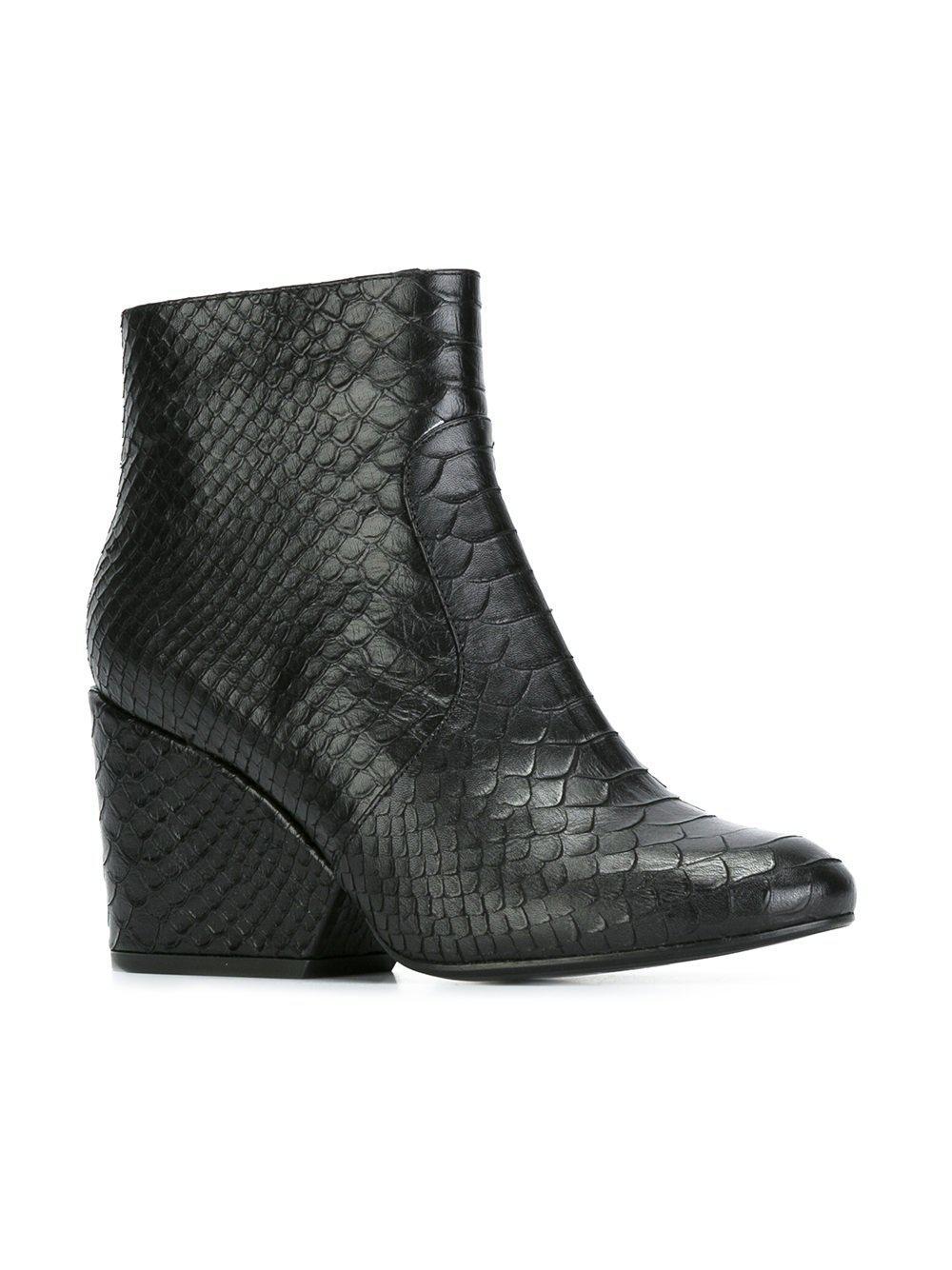 Robert Clergerie 'Toots 21' boots FyFOl