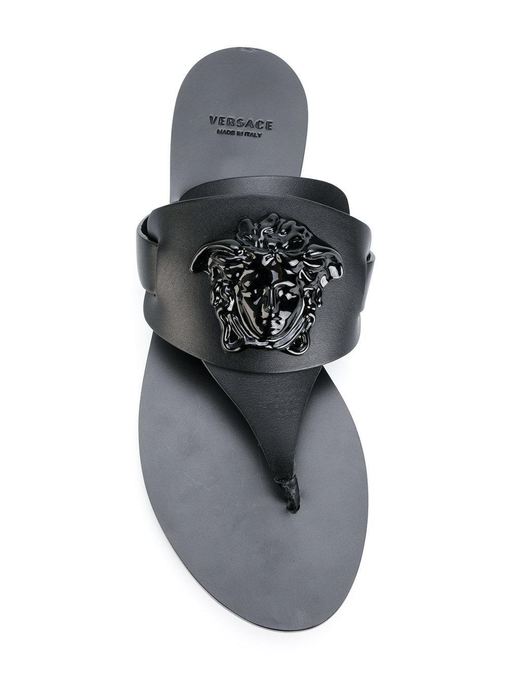 dc5395da855 Lyst - Versace Sandali Infradito  medusa Palazzo  in Black