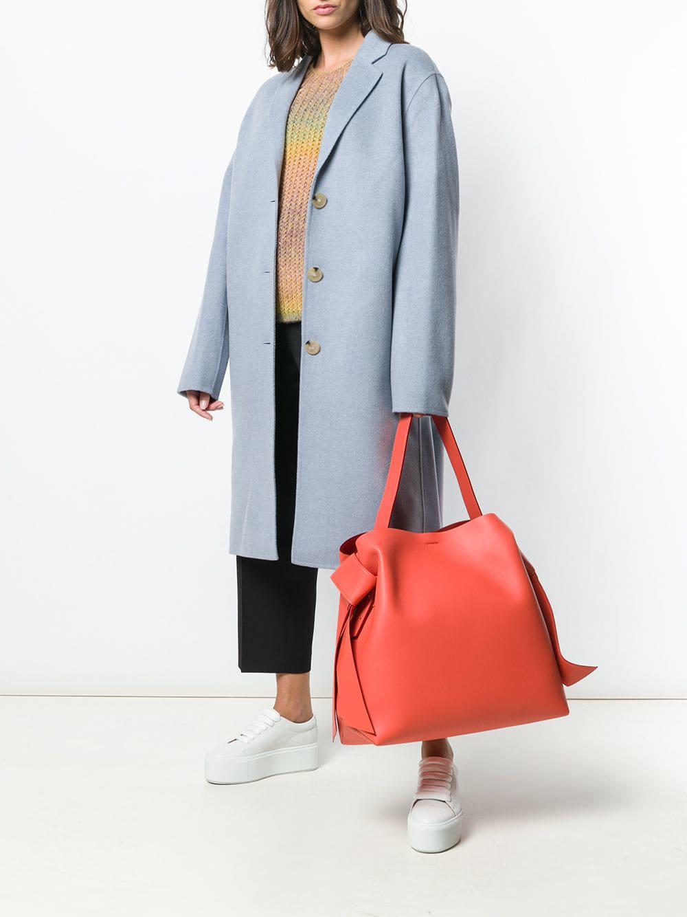 8ea25adbbb Lyst - Grand sac porté épaule Musubi Acne Studios en coloris Orange