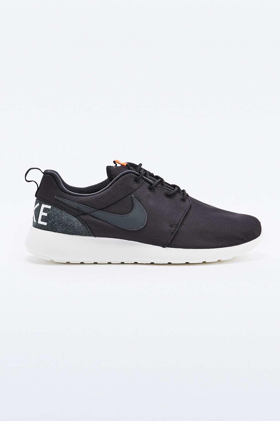 Nike Roshe Run Retro Black Trainers in Black for Men | Lyst