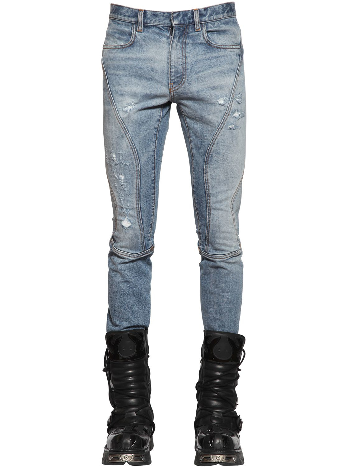 At Jimmy Jazz we carry a wide selection of men's jeans for the latest styles like biker jeans, including brands like True Religion, Levi's and Embellish.