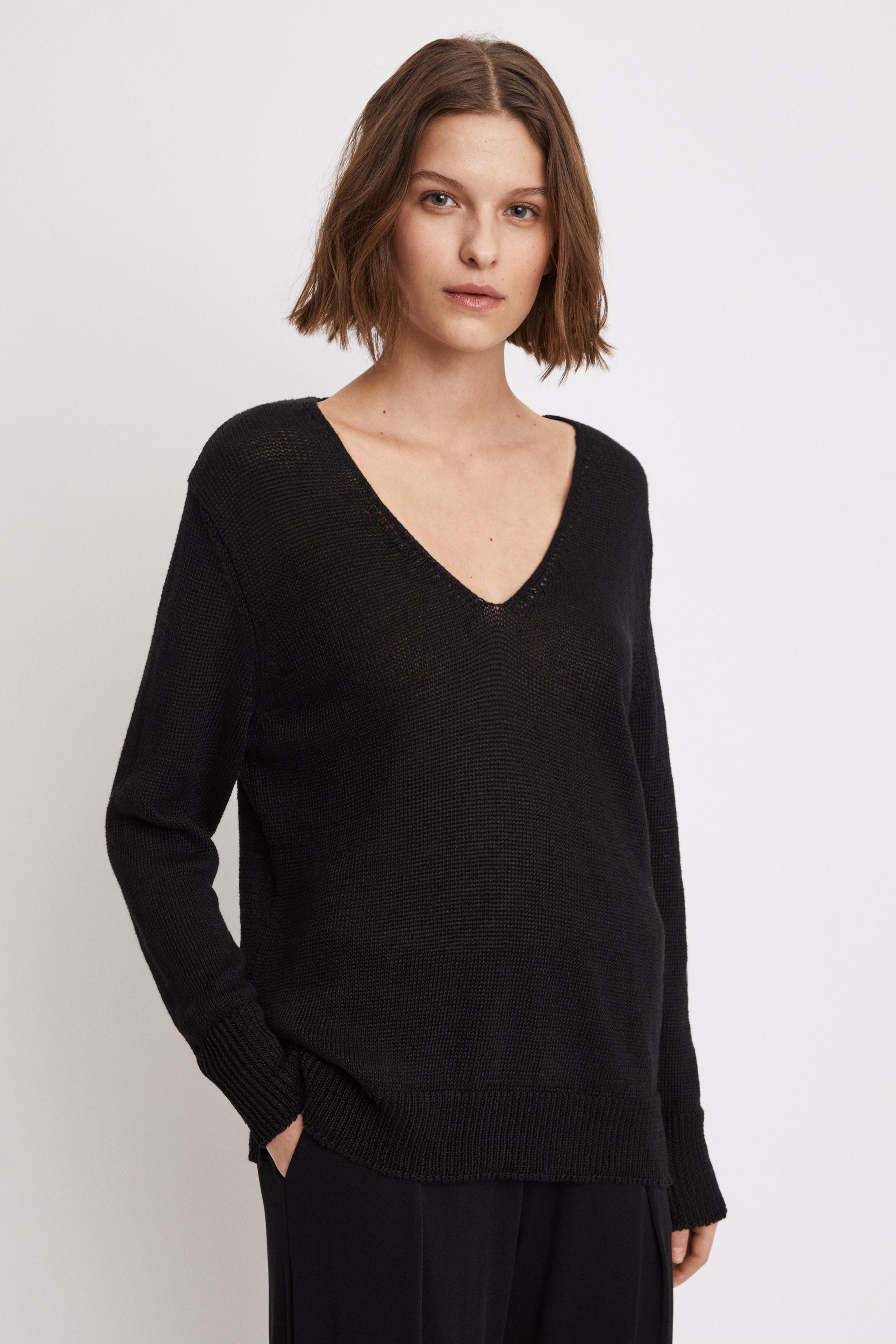 a6c85ef926b Lyst - Filippa K Shiny Linen V-neck in Black