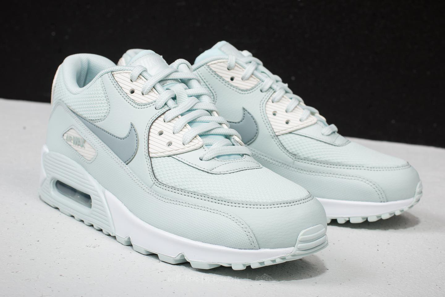 the best attitude 38275 e31e8 Gallery. Previously sold at  Footshop · Women s Nike Air Max ...