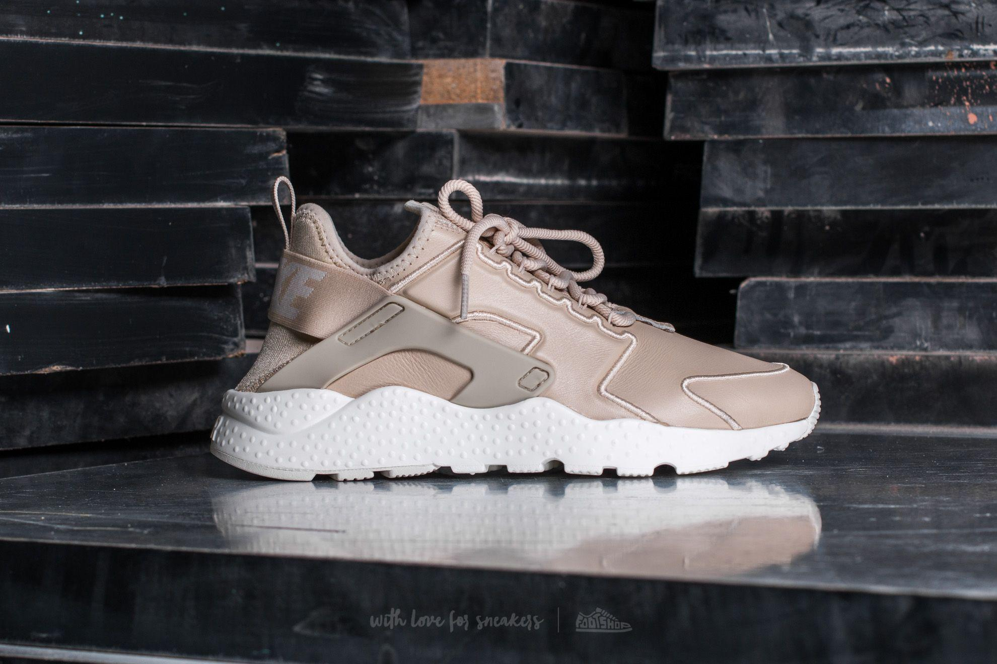 finest selection 524b4 c5fcb Gallery. Previously sold at  Footshop · Women s Nike Air Huarache