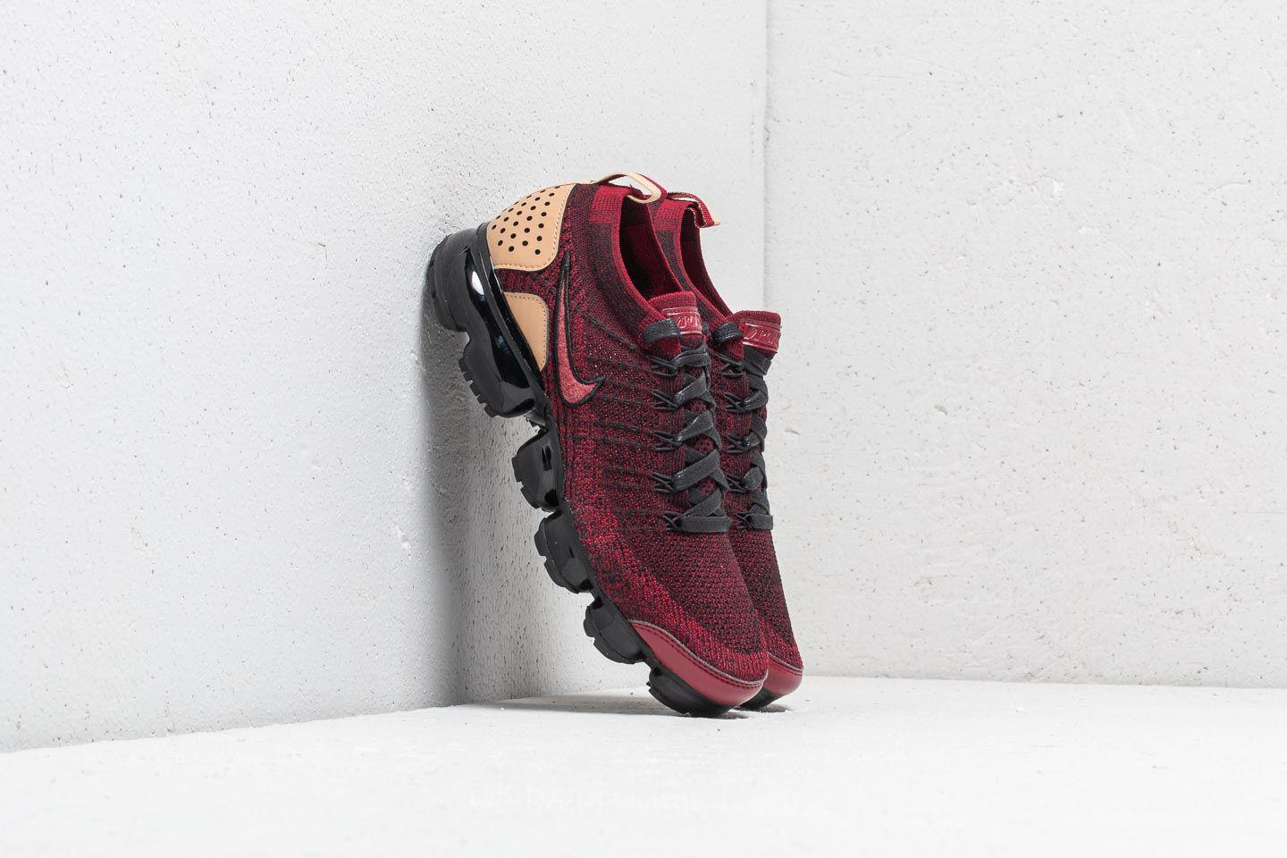 eaee5bb63ab Lyst - Nike Air Vapormax Flyknit 2 Nrg Team Red  Team Red-black in ...