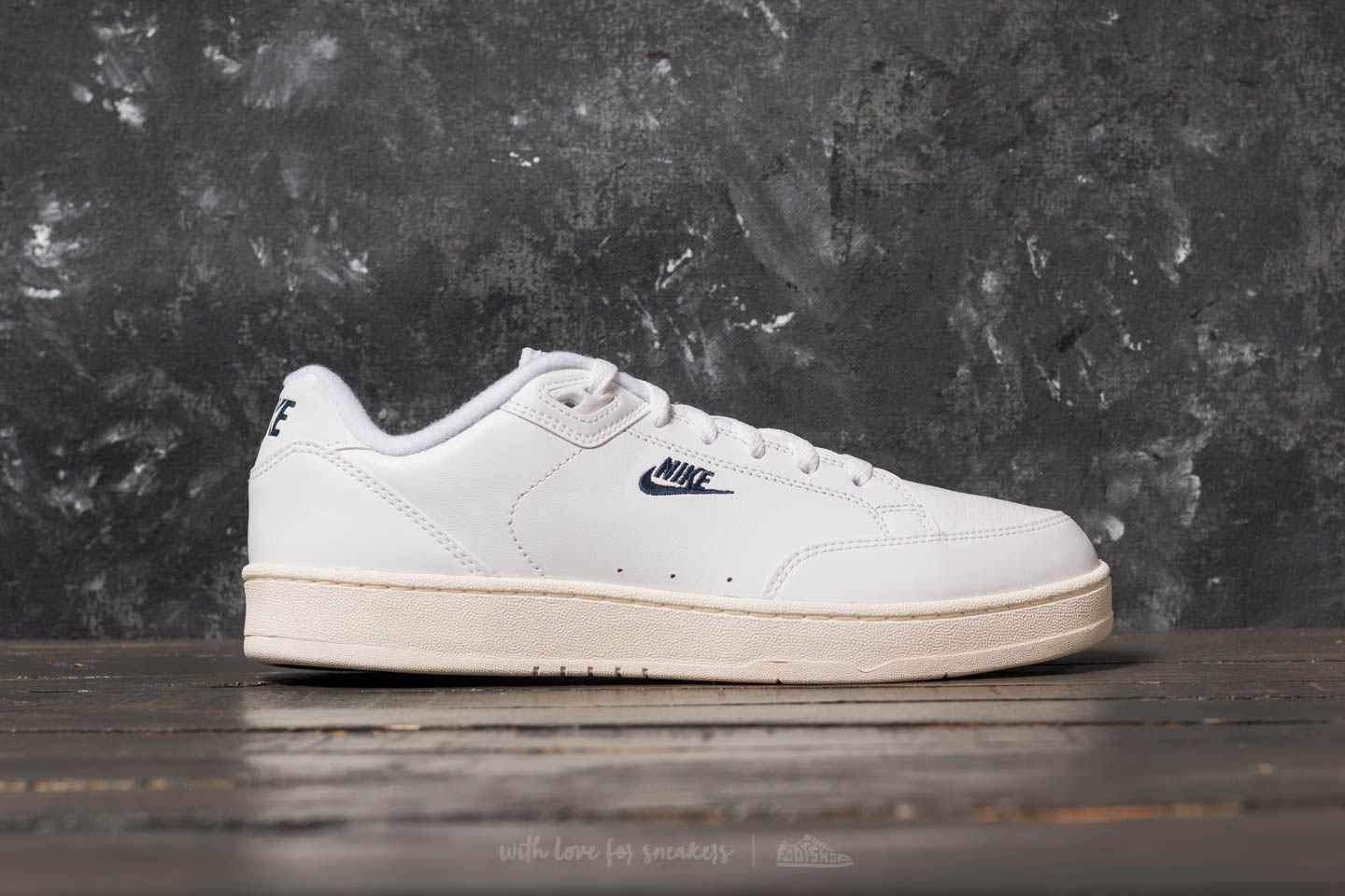 Nike Sportswear GRANDSTAND II - Trainers - white/navy sail/arctic punch QoeRIJ