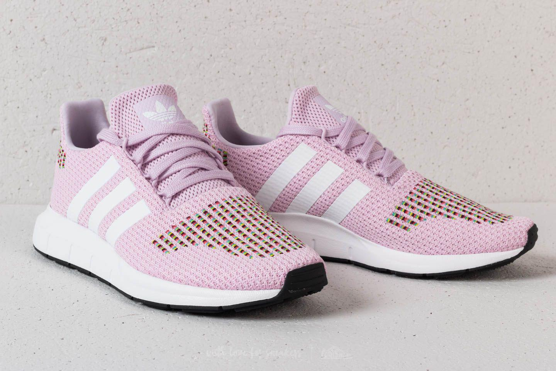 a34ed6cd00843 Lyst - adidas Originals Damen Swift Run Sneakers Hellrosa in Pink