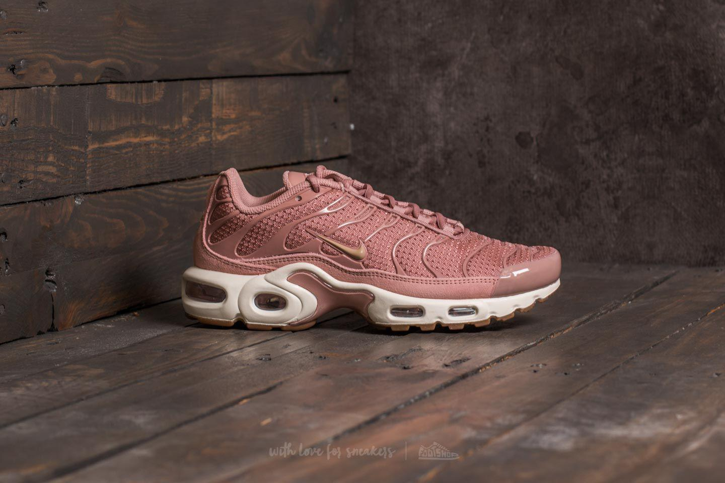 new product bdc9b e90c3 Gallery. Previously sold at Footshop · Womens Nike Air Max ...
