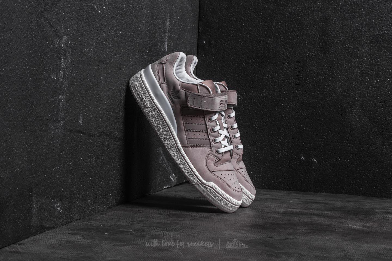 lyst adidas originali adidas forum basso vapore grigio / gesso bianco