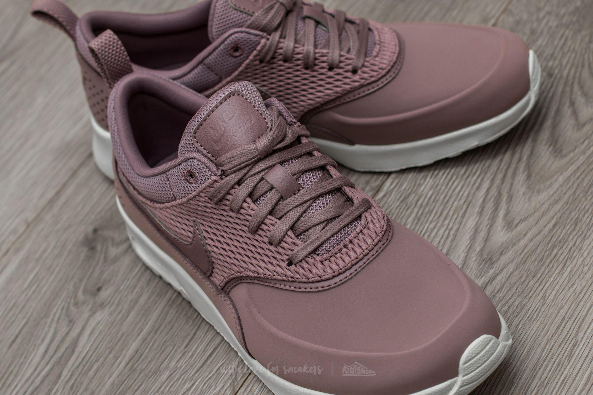 new styles 719c5 33bcc Gallery. Previously sold at Footshop · Womens Nike Air Max Womens Red  Sneakers ...