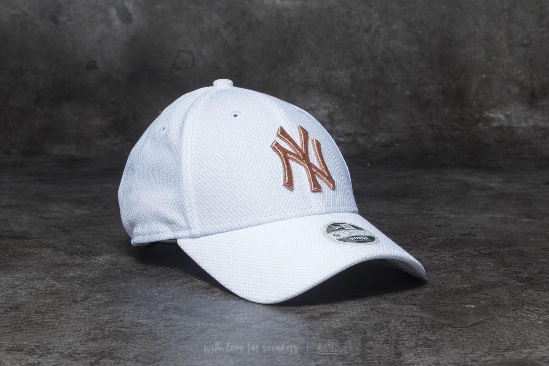 021c7b6db44 where can i buy new york yankees hat rack hours 137e4 b2d05