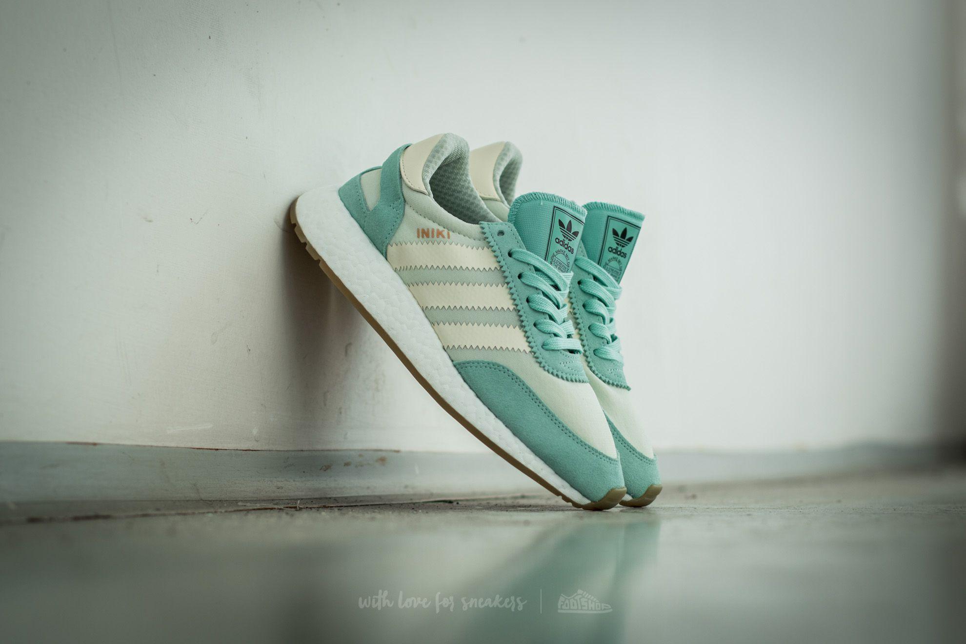 lyst adidas originali adidas iniki runner w facile verde / crema