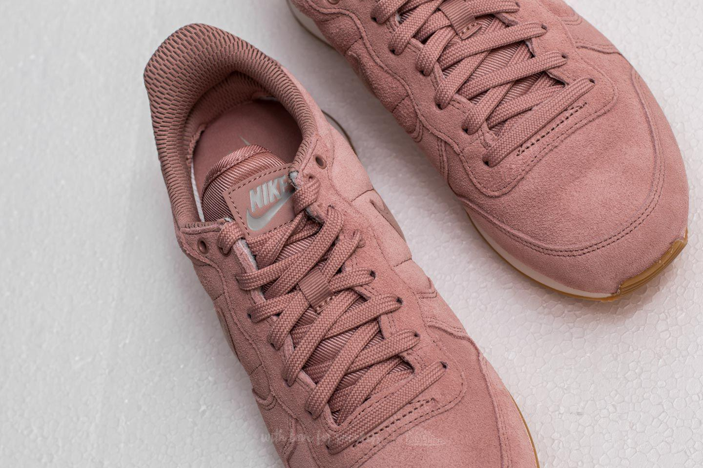 00f3383d7ddd66 Lyst - Nike W Internationalist Se Particle Pink  Particle Pink in Pink
