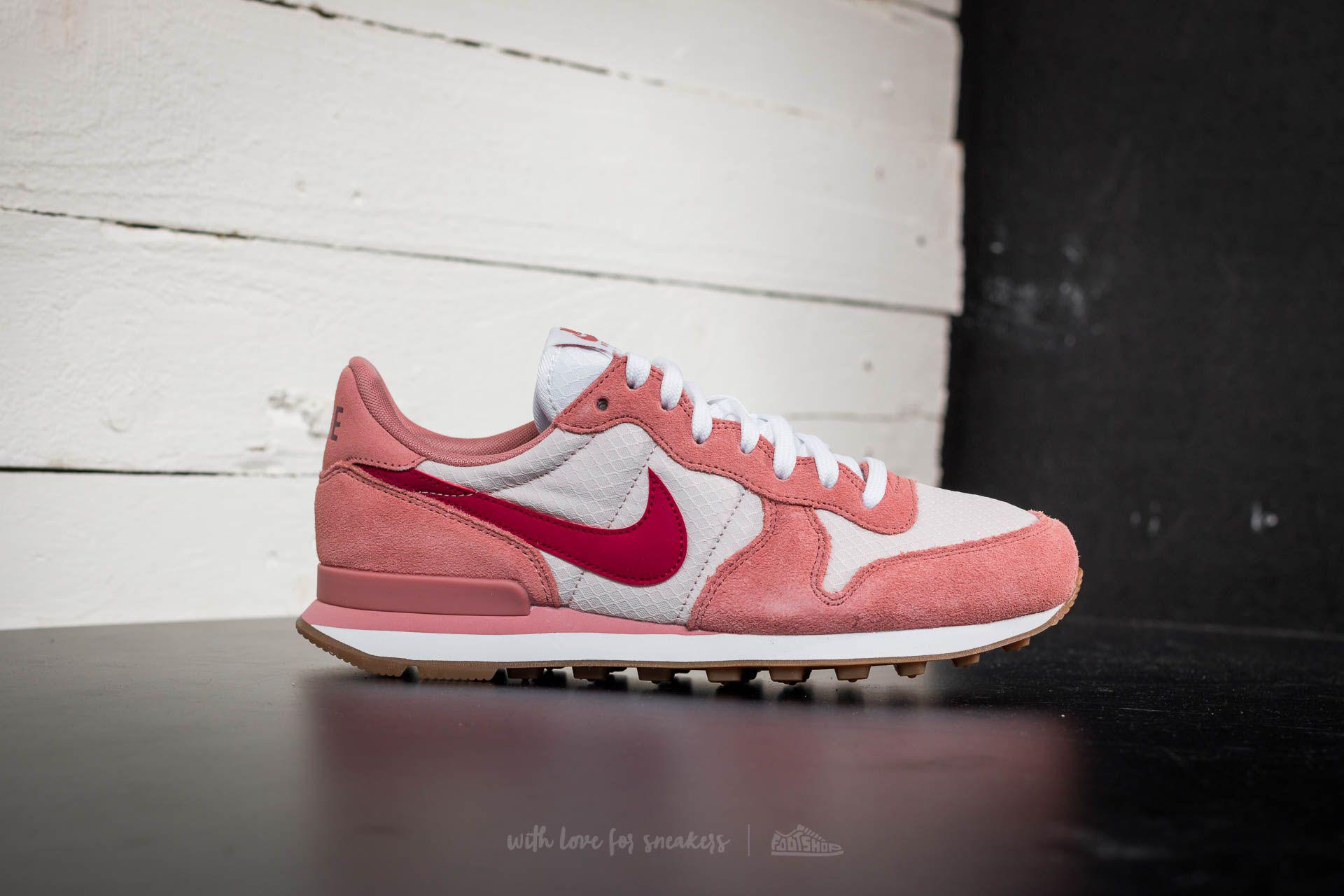 nike internationalist red pink